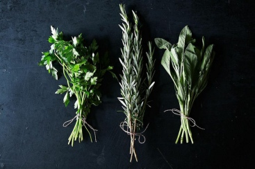 Drying Herbs DIY | Friday Favorites via Fox & Brie