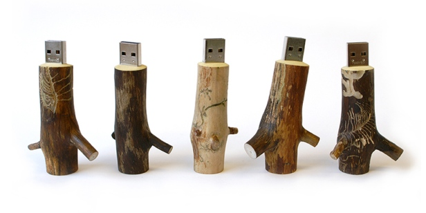 OOOMS USB Stick | Friday Favorites via Fox & Brie