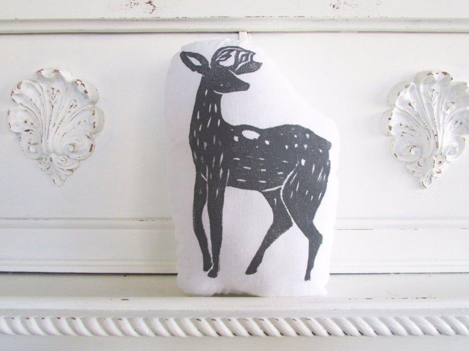 Deer pillow by Laura Frisk | via Fox & Brie